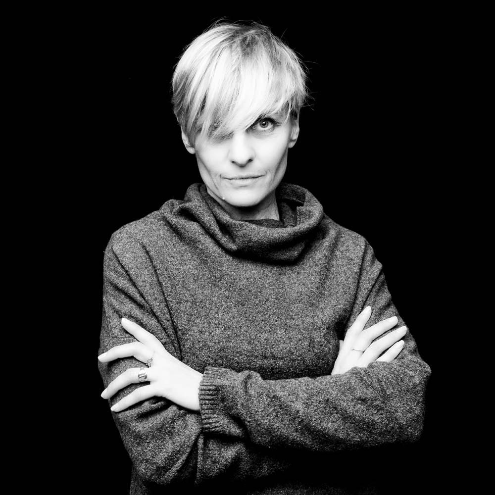 nantes-reze-photographe-professionnel-book-portrait-femme-blonde
