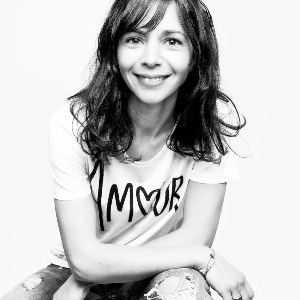 nantes-reze-photographe-professionnel-portrait-femme-tshirt